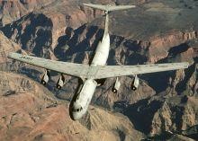A C-141 Starlifter